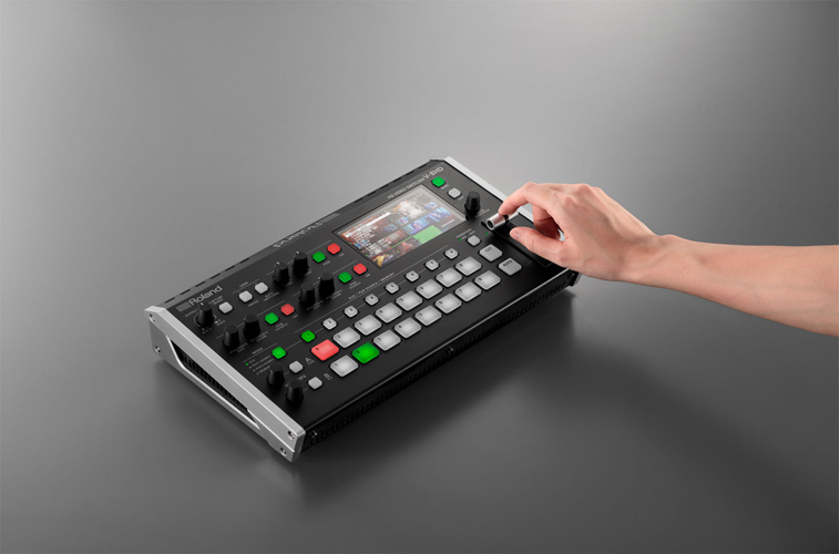 ROLAND V-8HD - 8-Channel HD Video Switcher - - 9.jpg